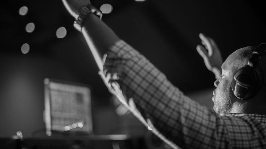 worship-tech-as-worship-leader_post_900px_opt